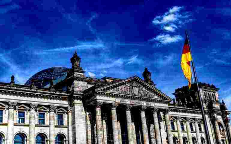 The biggest collapse of the financial system in Germany