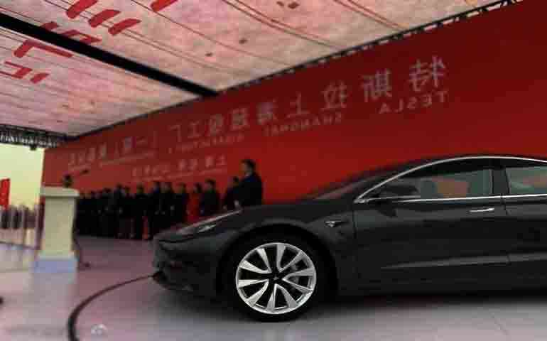 Tesla entered the fight with the US on the side of China